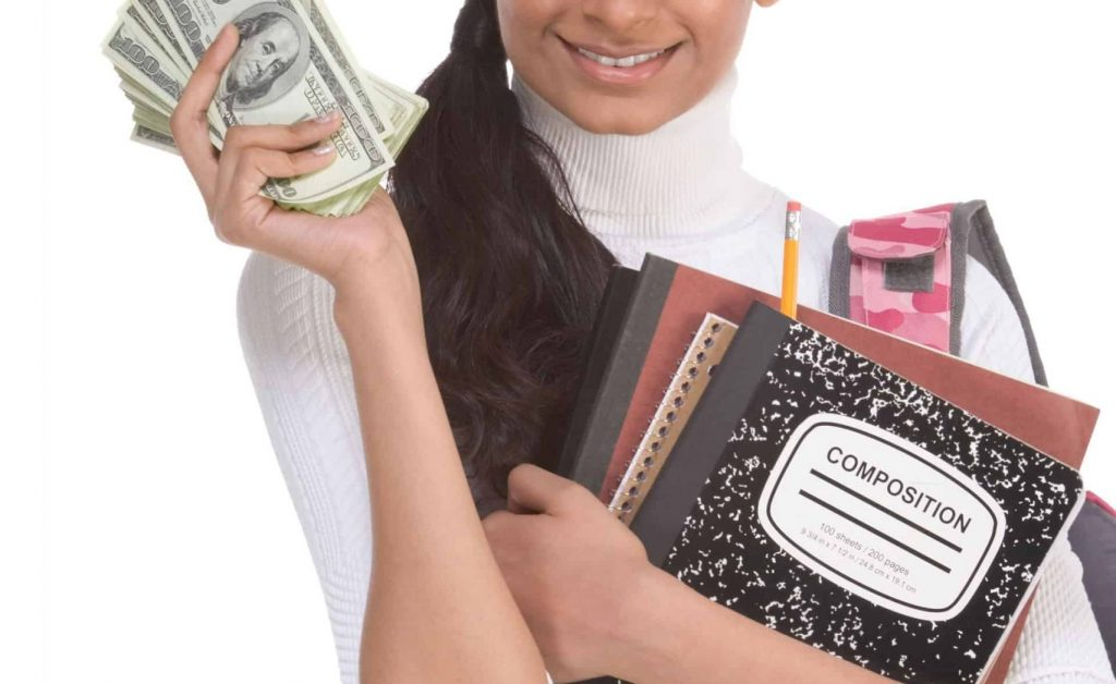 woman-models-money-from-savings-on-tax-filing